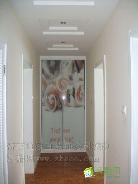 走廊吊顶造型及衣橱,这可是实拍的去完工的工地哦!