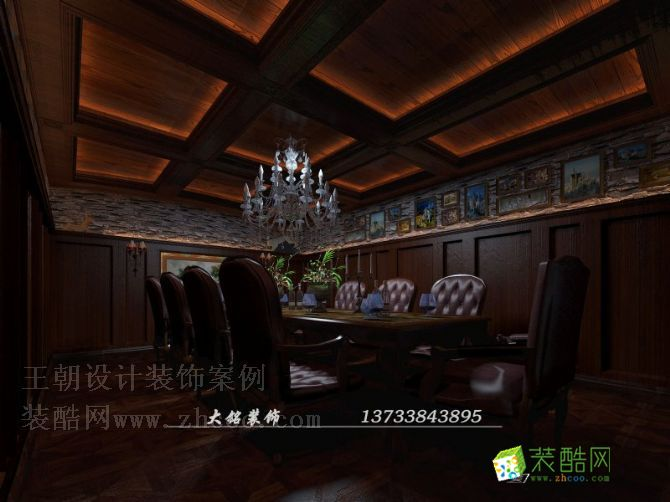 空间类型:欧式风格 会所 房屋面积:1800 工程造价:380万 本案坐落于郑州市酒吧业最集中的区域,又面对大浪淘沙时尚酒店,面对的客户群体相对比较高端,设计师跳出俗套,用古堡风格来诠释本案,给了空间很好的定位,在设计元素的表达上,本案更多的使用了毛石,就是想通过这种元素来塑造古堡的古老感,来增加酒窖的内涵,增加酒窖的古老感,神秘感。