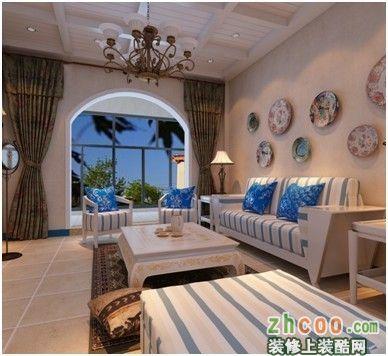电视墙用釉面砖和雕花的配合,在地中海原特有元素的基础上使用