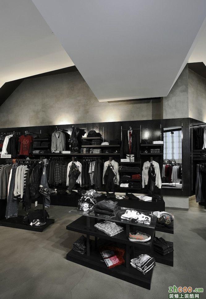 时尚搜廊服装店