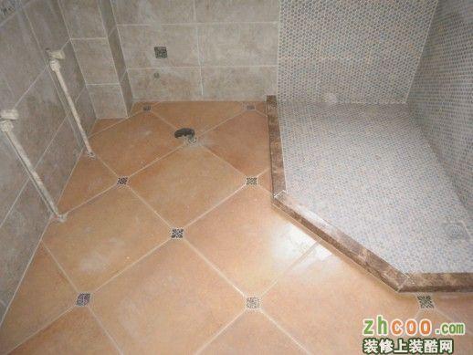 新中式厕所贴砖