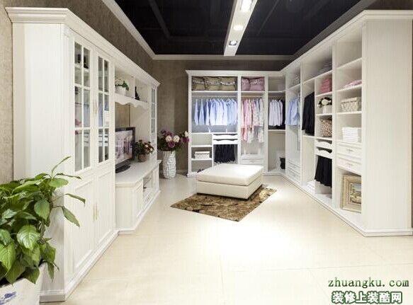 家用定制衣柜好还是整体衣柜好?价格分别怎么算?