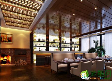 咖啡吧。设计理念: 入口处以顶面的木质窗格作指引,引导客人进入咖啡厅。餐厅内部清幽、简洁,灰色调的餐桌餐椅,让整个空间宁静下来,屋顶上点点灯光像久违的星空,深邃而神秘。在这样的空间里就餐,朋友之间窃窃私语,亲密而优雅,整个氛围淡定,从容而舒适。  亮点:    顶部木质假梁结构内藏筒灯,如繁星点点,提升了咖啡厅的优雅氛围