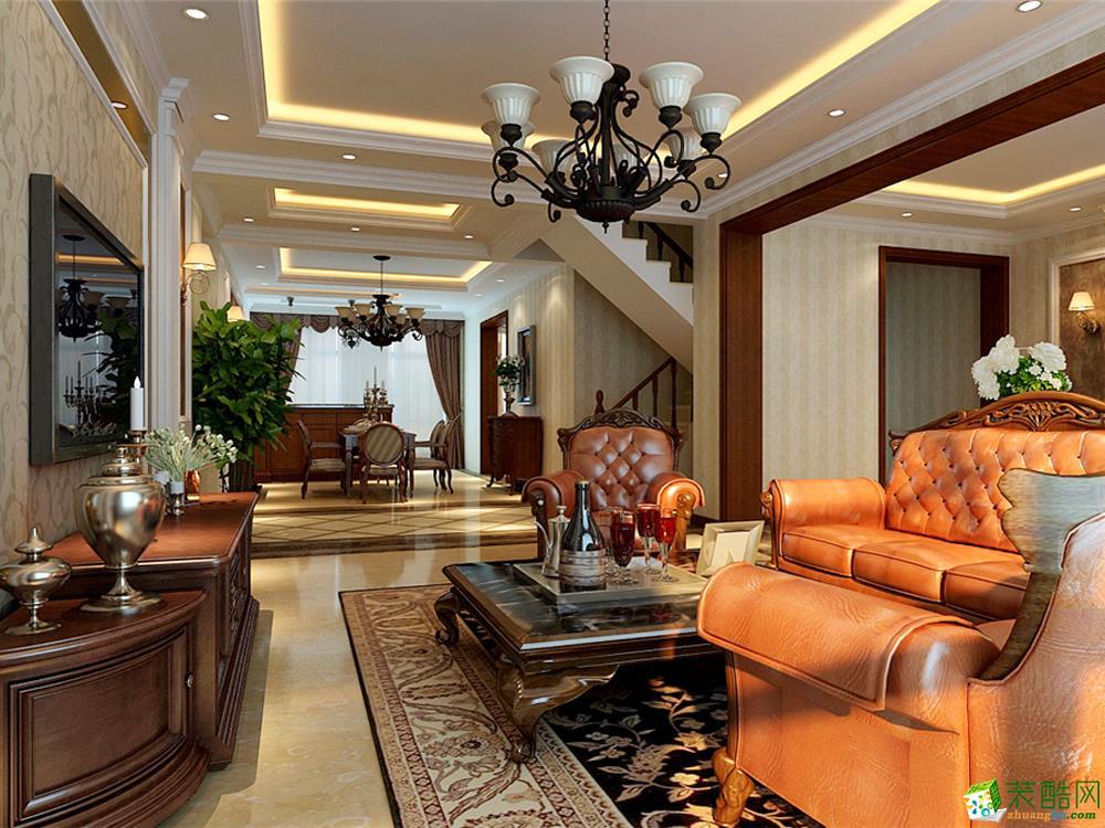 客厅说明:客厅天花板采用嵌入式石膏吊顶,搭配精致的水晶吊顶,营造出一种怀旧、浪漫的感觉。以大理石作为地面装饰材料,光泽感极佳,在沙发区铺上大幅花纹地毯,使空间区域划分更加清晰。复古造型的组合沙发,以及茶几都具有上乘的质感,让美式古典风格得以进一步的彰显。
