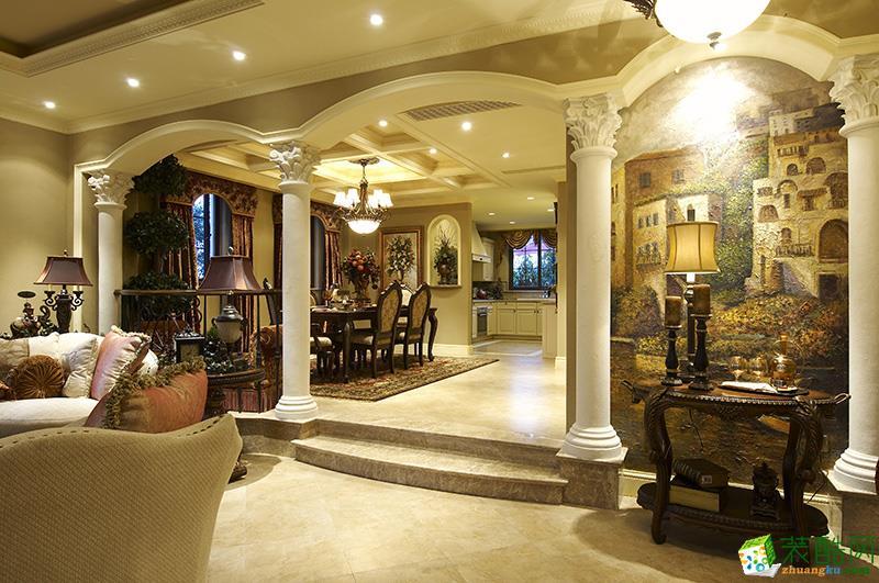 客厅 客厅与餐厅的隔断采用欧式圆拱门造型 (800x531)-高档欧式 客