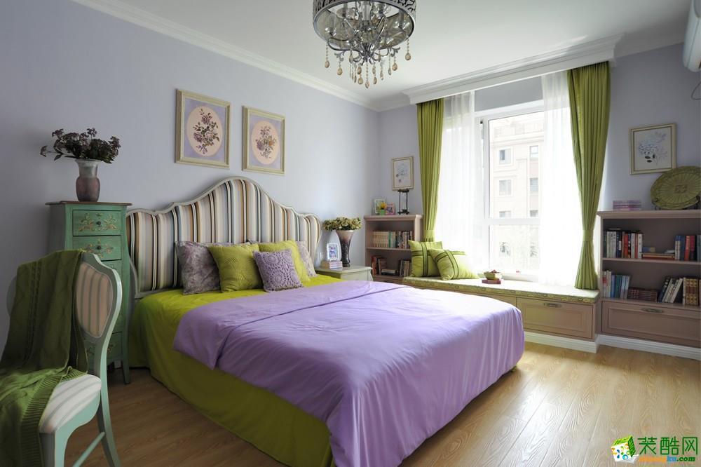 96平卧室床头背景墙装修