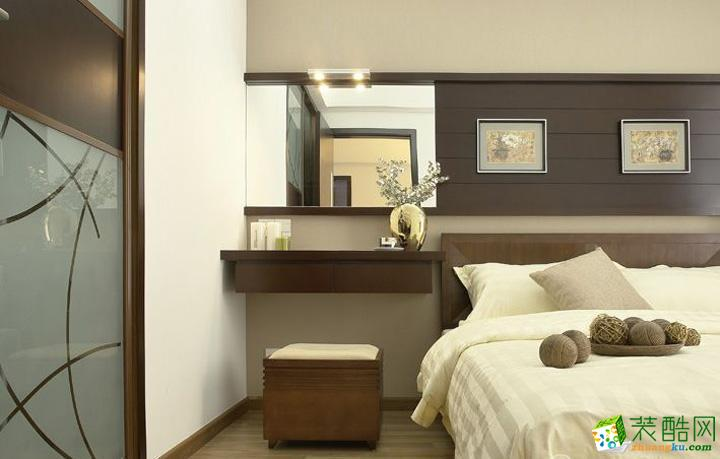 卧室 床头木制的装饰背景也有着特别的感觉和味道. 现代时尚中国风