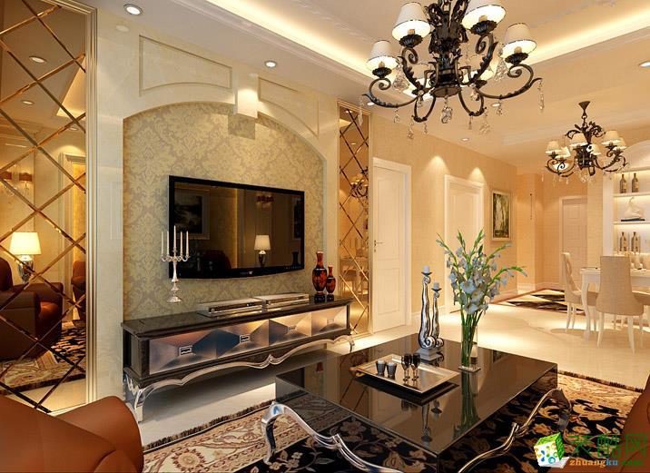 沙发背景墙同样采用欧式造型石材加壁纸两根欧式罗马