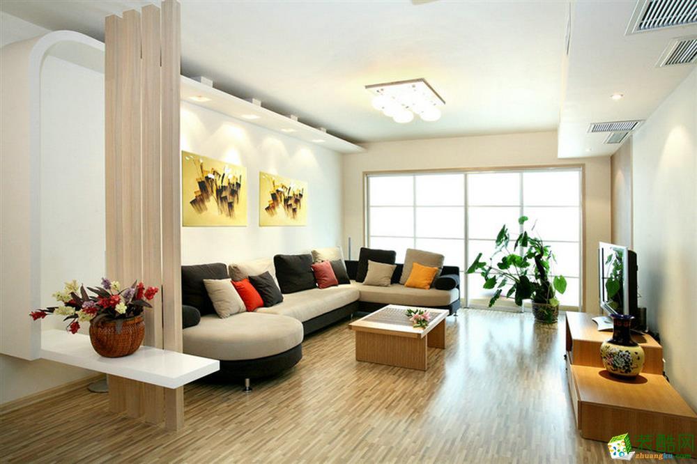 木格栅造型将客厅和餐厅分隔出两个区域