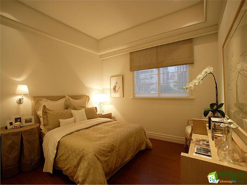 空间类型:欧式风格 三室两厅两卫 房屋面积:176 装修方式:半包 工程造价:20万 欧式的居室有的不只是豪华大气,更多的是惬意和浪漫。通过完美的典线,精益求精的细节处理,带给家人不尽的舒服触感,实际上和谐是欧式风格的最高境界。