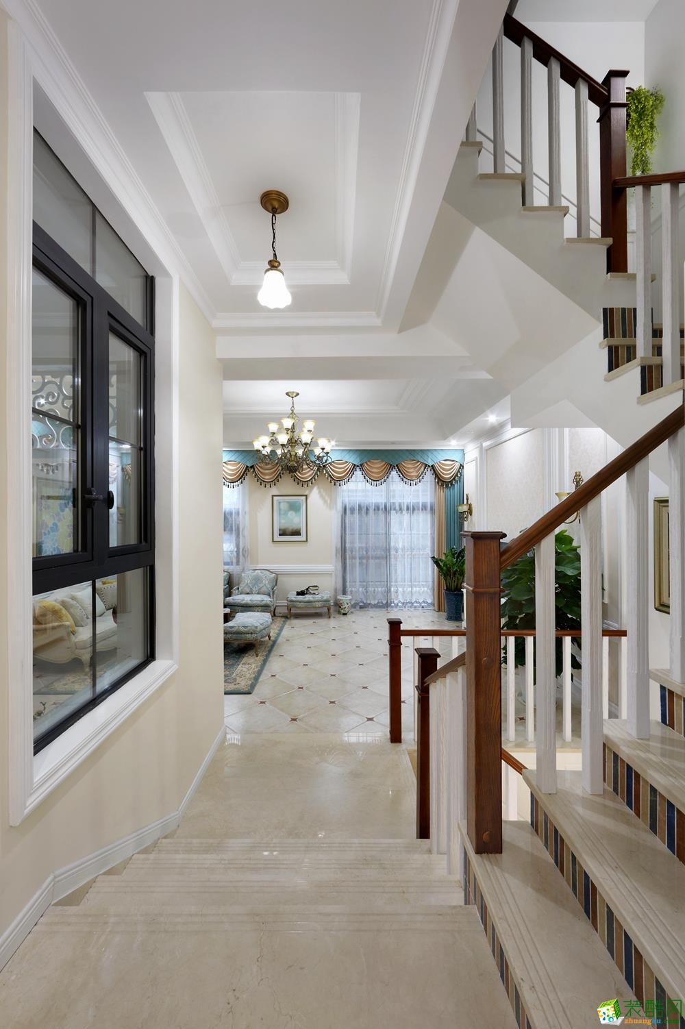 过道装修图,成为客厅与餐厅之间的跃式空间