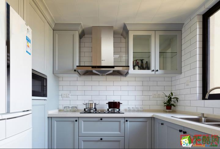大气简约厨房装修设计效果图