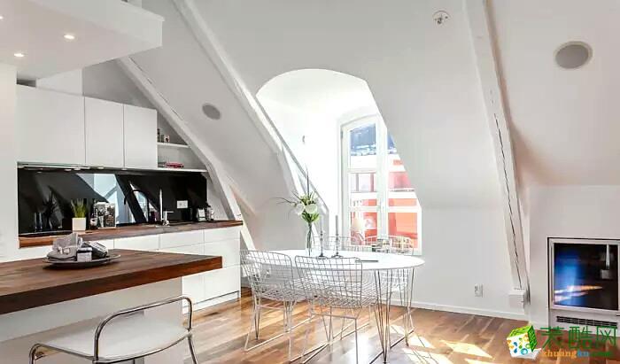 60平挑高阁楼小公寓装修