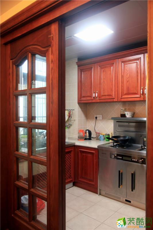美式实用厨房装修效果图