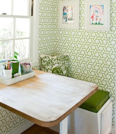 用木板的铺贴来强调餐厅空间的轮廓