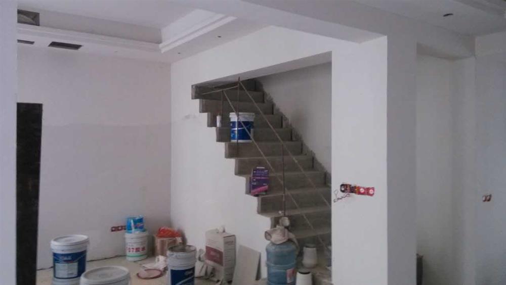美的家装饰油漆阶段