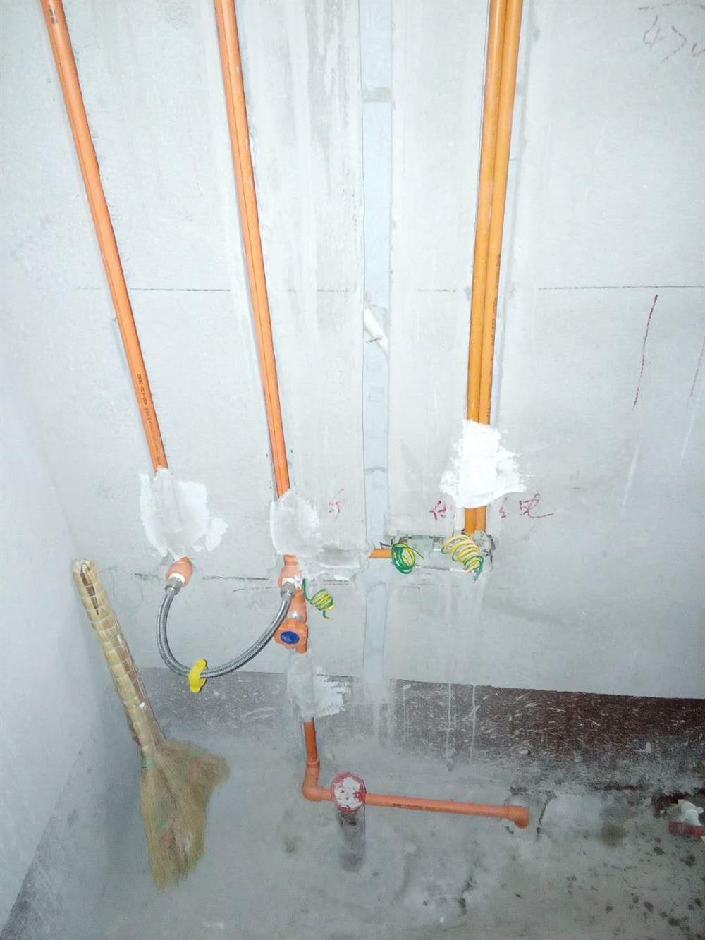 塞纳春天装饰水电阶段