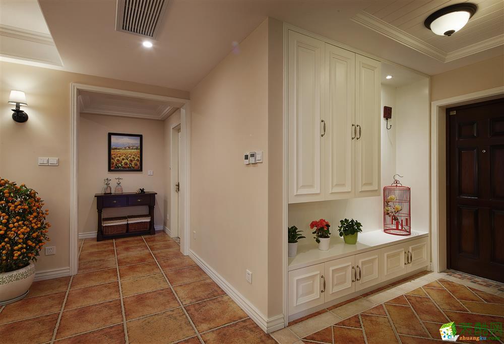 >> 115平美式三居室装修效果图-12万全包图片