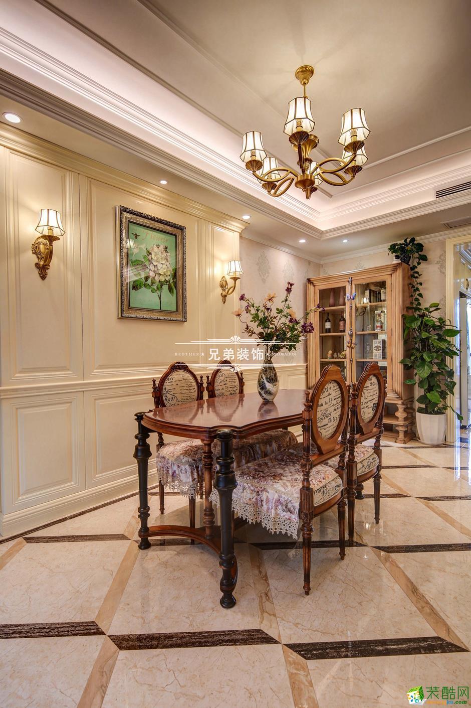 136平欧式风格三居室装修效果图-客厅