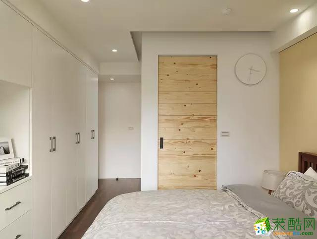 米黄色的床头墙颜色看上去特别温馨!图片