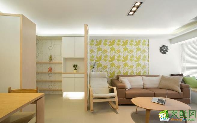 书房 除了大地色系的沙发,其他选择原木质感的�砭悖�回应自然主轴。 83平现代风格装修效果图-海天装饰