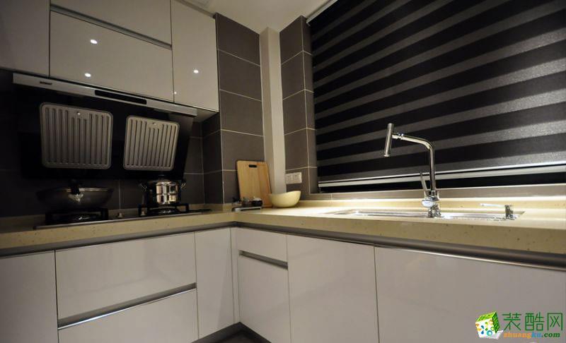 98平米现代简约三居室装修效果图