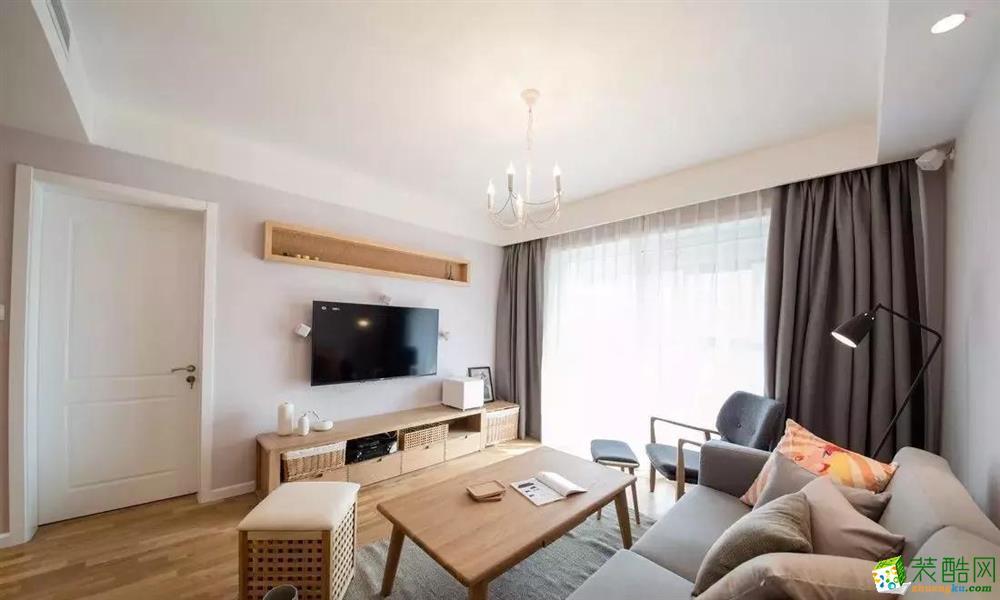 灰色地毯柔软舒适,简约而不简单的吊灯小情调满满。
