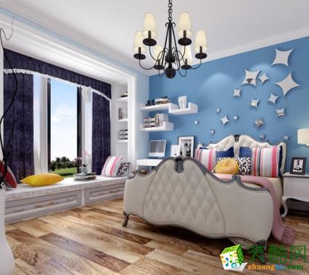 飘窗设计成了休息区,还安装了一个小小的置物柜,可以放几本书,几盆盆栽,背景墙上的搁板也是这个作用,既美观又实用。