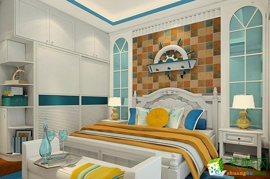 地中海风味极强的家居,又有奢华的感觉,两者融合得很好。简约的设计样式,使整个卧室给人一种现代的时尚感