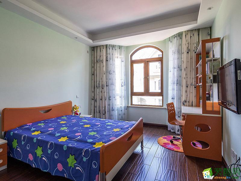 中式三居室装修效果图-卧室装修效果赏析