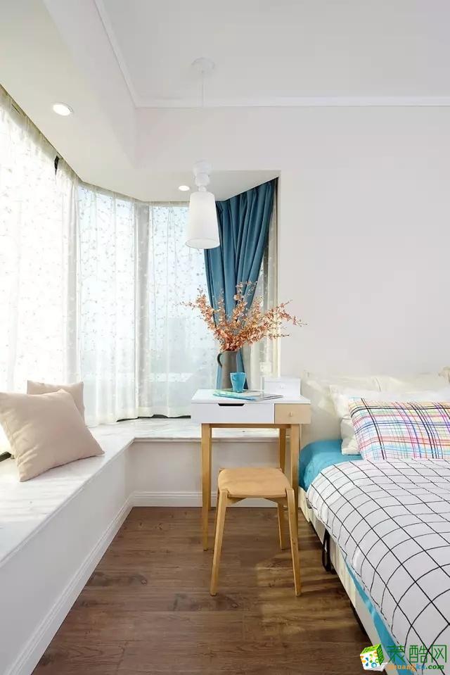 【天世居装饰】100�O混搭清新三居室 都市中的新格调赏析。
