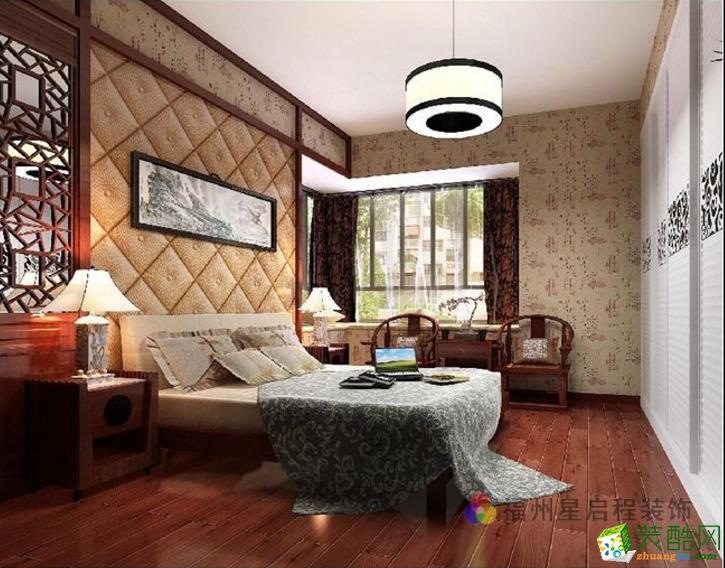卧室则选用了温馨的碎花和米黄色软包。