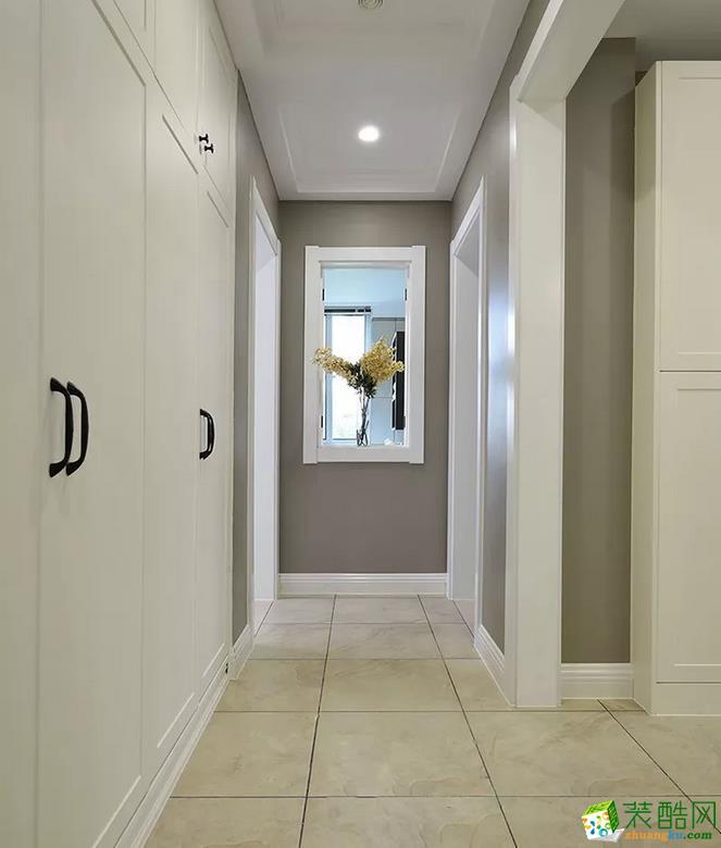 隔断 不管是进门第一眼看到的玄关,还是过道玄关,都做了精心搭配,小细节能让家居品位提升一个档次 【壹家定制装饰】125�O现代简约三室装修效果图