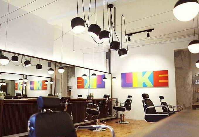 理发店面,简单装修如果包括墙面