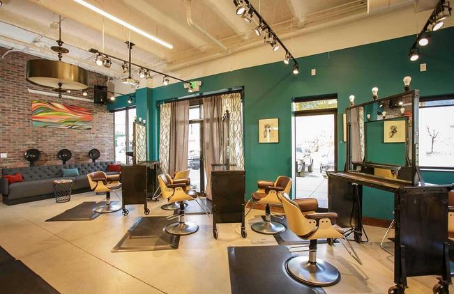 装酷网 施工工艺/注意事项  普通的理发店不用多少钱,如果要大型的就