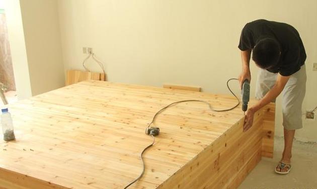 木工做家具�是定做好?定制家具�c木工家具��缺�c�R�
