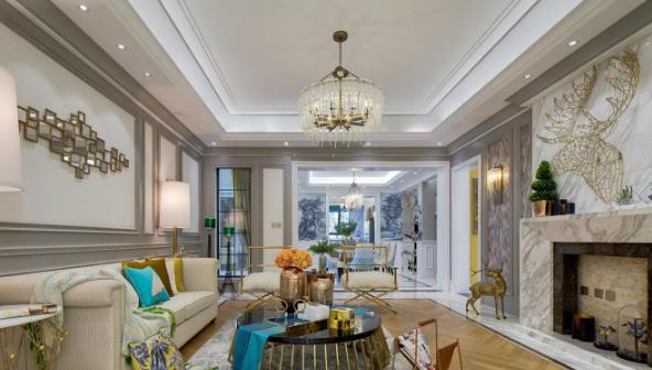 再搭配深棕色,金色等充满质感的颜色,表现出欧式风格的华美气质.