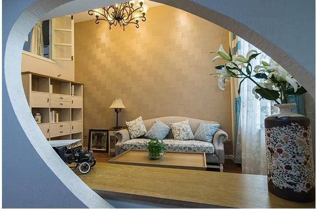 从书房隔间看客厅,客厅的收纳木作也是不少,完全满足了47平米小户型